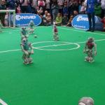 Roboter-Fussballturnier (2-3)