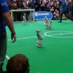 Roboter-Fussballturnier (1-3)